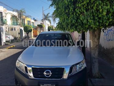 Nissan NP300 Doble Cabina SE A/A usado (2017) color Blanco precio $265,000
