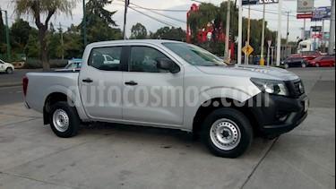 Foto venta Auto Seminuevo Nissan NP300 Doble Cabina SE A/A (2017) color Plata precio $254,000