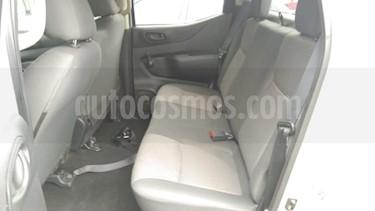 Foto venta Auto usado Nissan NP300 Frontier 2.5L Doble Cabina S A/A Paquete de Seguridad (2018) color Plata precio $250,000