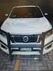 Nissan NP300 Frontier LE Diesel 4x4 A/A Aut usado (2018) color Blanco precio $495,000
