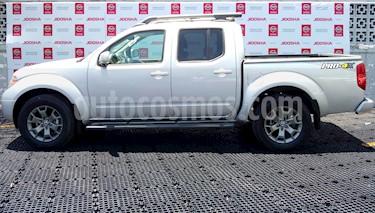 Nissan NP300 Frontier LE Diesel 4x4 A/A Aut usado (2017) color Plata precio $425,000