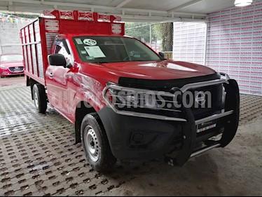Nissan NP300 2.4L Chasis Dh  Paquete de seguridad usado (2019) color Rojo precio $275,000