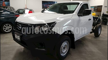 Foto venta Auto usado Nissan NP300 2.4L Chasis Dh  Paquete de seguridad (2018) color Blanco precio $245,000