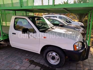Foto venta Auto usado Nissan NP300 2.4L Chasis Dh  (2014) color Blanco precio $200,000