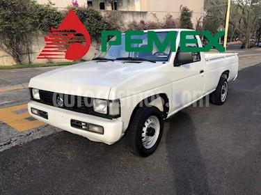 Foto venta Auto usado Nissan NP300 2.4L Chasis  (2007) color Blanco precio $42,000