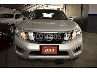 Foto venta Auto usado Nissan NP300 2.4L Doble Cabina Tipica Audio A/A (2018) color Plata precio $363,000