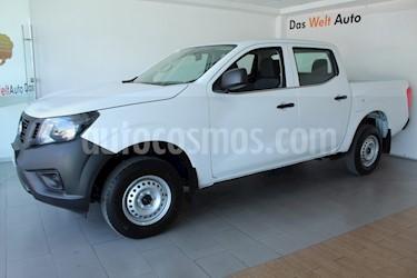 Nissan NP300 2.4L Doble Cabina Tipica usado (2018) color Blanco precio $289,000
