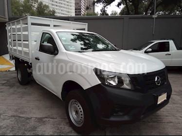 Nissan NP300 2.4L Estacas Dh  Paquete de Seguridad usado (2018) color Blanco precio $269,000