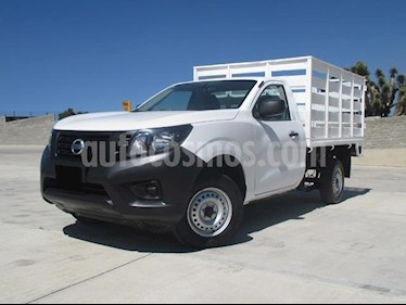 Foto venta Auto usado Nissan NP300 2.4L Estacas Dh  (2018) color Blanco precio $258,000