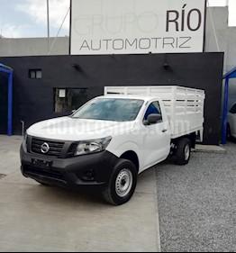 Foto venta Auto usado Nissan NP300 2.4L Estacas Dh  (2016) color Blanco precio $233,000