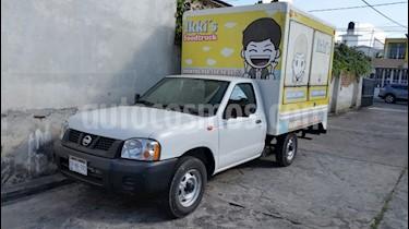 Nissan NP300 2.5L Chasis Cabina Dh A/A Paquete de Seguridad usado (2015) color Blanco precio $220,000