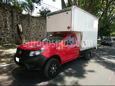 Foto venta Auto usado Nissan NP300 2.5L Chasis Cabina Dh (2016) color Rojo precio $216,900