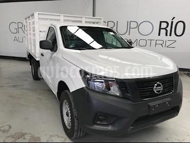 Foto venta Auto usado Nissan NP300 2.5L Estacas Dh A/A Paquete de Seguridad (2016) color Blanco precio $229,000