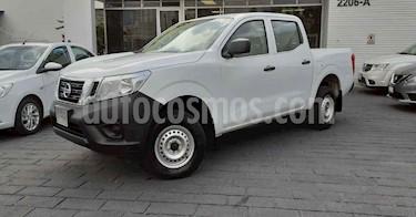 Nissan NP300 2.4L Doble Cabina SE A/A Paquete de Seguridad usado (2020) color Blanco precio $279,900