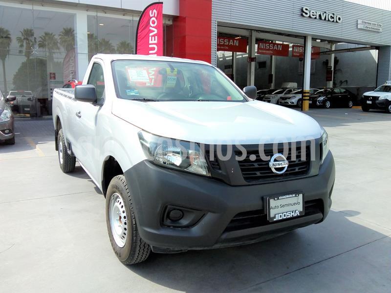 Nissan NP300 2.5L Pick-up Dh A/A usado (2018) color Plata precio $276,900