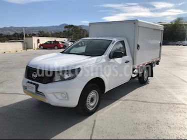Nissan NP300 2.4L Doble Cabina Tipica Audio A/A usado (2016) color Blanco precio $225,000