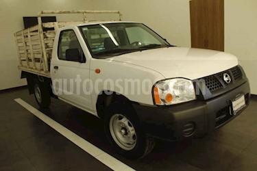 foto Nissan NP300 2 pts. ESTACAS T/M DH Paq. Seg. usado (2015) color Blanco precio $164,999