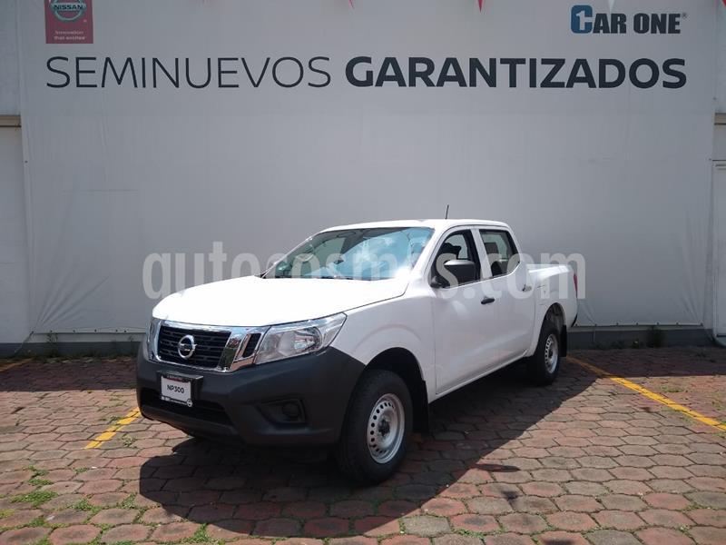 Nissan NP300 2.4L Doble Cabina SE A/A Paquete de Seguridad usado (2020) color Blanco precio $372,200
