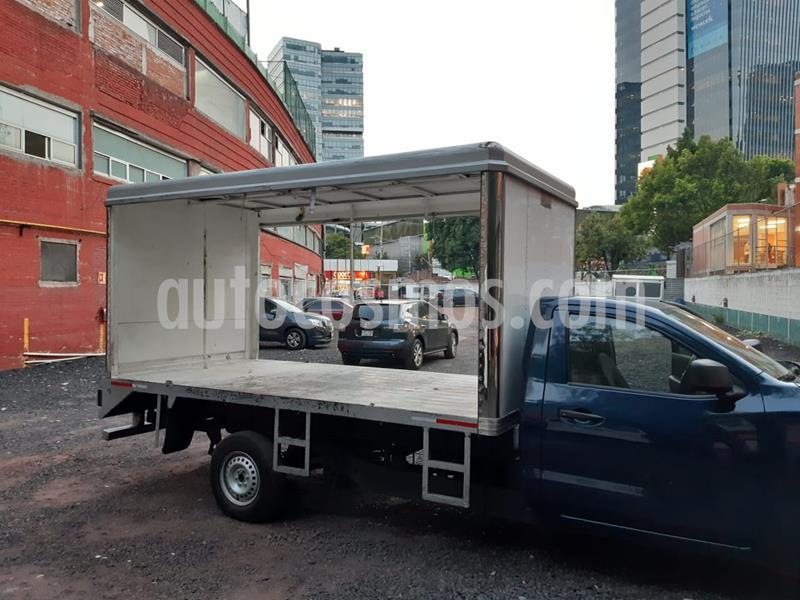 Nissan NP300 2.5L Chasis Cabina Dh A/A Paquete de Seguridad usado (2019) color Azul precio $250,000