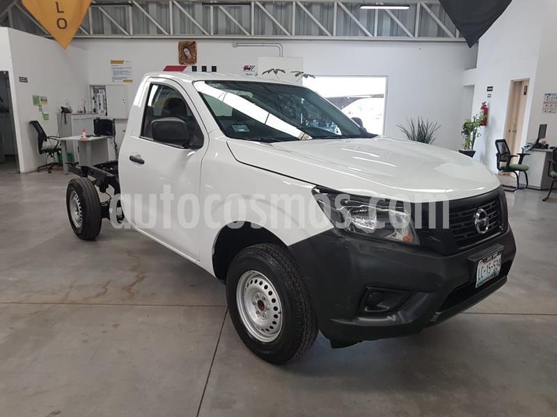 Nissan NP300 2.5L Chasis Cabina Dh usado (2019) color Blanco precio $269,000