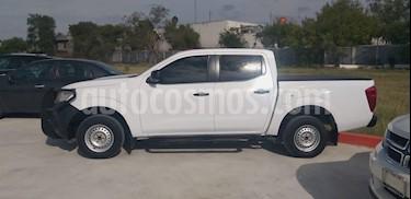 Nissan NP300 2.5L Doble Cabina SE A/A usado (2016) color Blanco precio $225,000