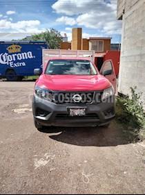 Nissan NP300 2.5L Chasis Cabina Dh A/A usado (2018) color Rojo precio $225,000