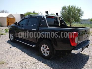 Nissan NP300 2.4L Doble Cabina Tipica usado (2018) color Negro precio $325,000