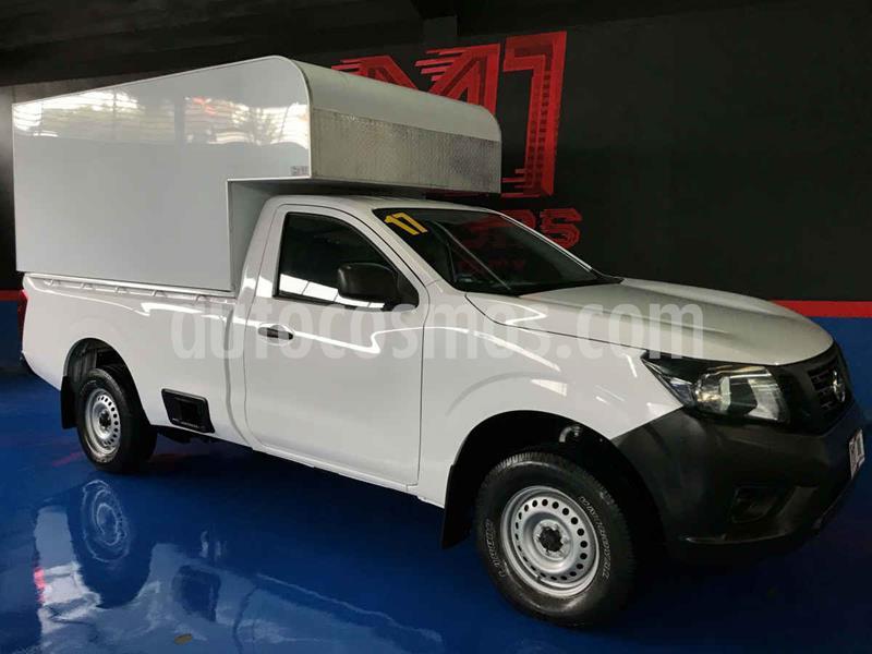 Nissan NP300 2.4L Pick-up Dh usado (2017) color Blanco precio $255,000