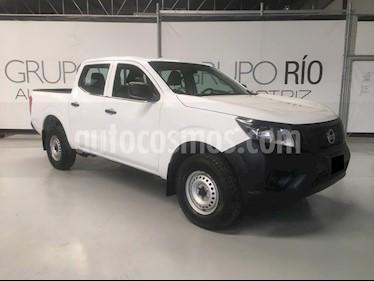 Nissan NP300 2.4L Doble Cabina S A/A usado (2018) color Blanco precio $255,000