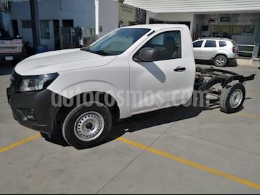 Nissan NP300 2.4L Chasis  usado (2019) color Blanco precio $260,000