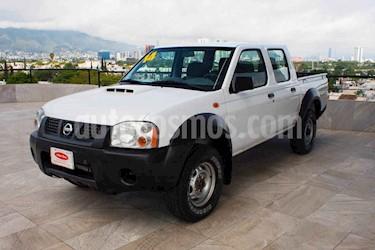 Nissan NP300 2.5L Diesel Chasis 4x4 Ac usado (2014) color Blanco precio $204,700