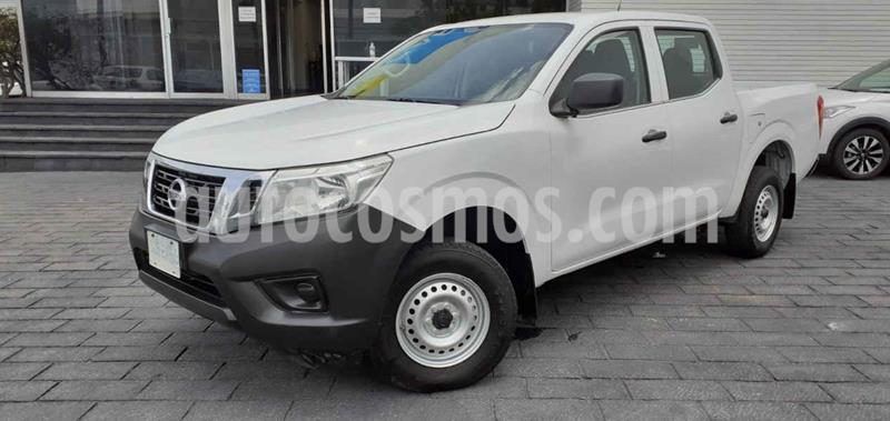Nissan NP300 2.4L Doble Cabina SE A/A Paquete de Seguridad usado (2020) color Blanco precio $289,900