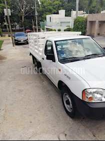 Nissan NP300 2.4L Estacas Dh  usado (2014) color Blanco precio $168,000