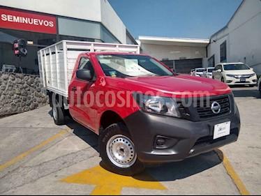 Nissan NP300 2 pts. Estacas TM DH AC PAQ. SEG. 6 Vel usado (2018) color Rojo precio $265,000