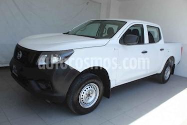 Nissan NP300 4 pts. DOBLE CABINA S TM AC PAQ. SEG. 6Vel usado (2018) color Blanco precio $269,000