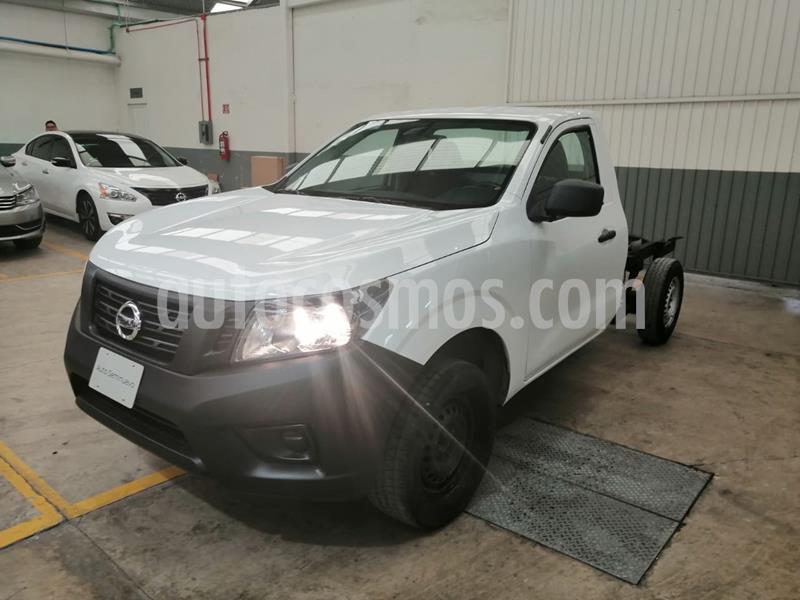 Nissan NP300 2.4L Chasis Dh  Paquete de seguridad usado (2017) color Blanco precio $230,000