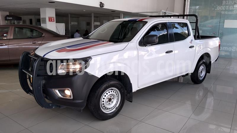 Nissan NP300 2.5L Doble Cabina S A/A usado (2017) color Blanco precio $259,000