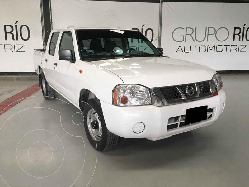 Nissan NP300 2.4L Doble Cabina Tipica usado (2011) color Blanco precio $159,000