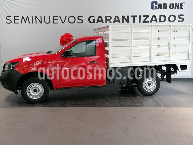 Nissan NP300 2.4L Estacas Dh  Paquete de Seguridad usado (2019) color Rojo precio $274,900
