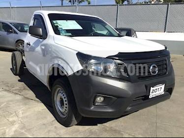 Foto venta Auto Seminuevo Nissan NP300 NP300 CHASIS CABINA TM DH AC (2017) color Blanco precio $227,000