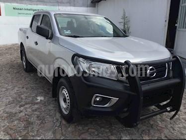 Foto venta Auto usado Nissan NP300 NP300 DC (2018) color Plata precio $300,000
