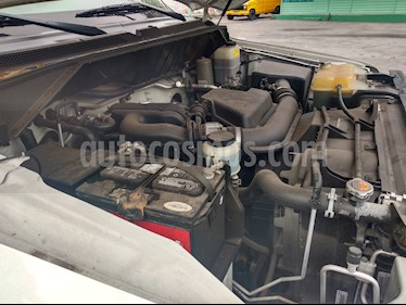 foto Nissan NV2500 4.0L V6 Ambulancia Toldo Alto usado (2013) color Blanco precio $250,000