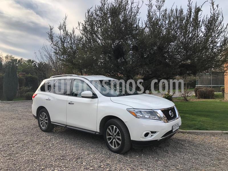 Nissan Pathfinder 3.5L Sense 4x2 usado (2014) color Blanco Perla precio $10.800.000