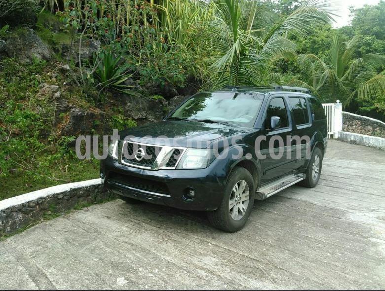 Nissan Pathfinder LE 4.0L Premium Aut usado (2010) color Azul precio $40.000.000