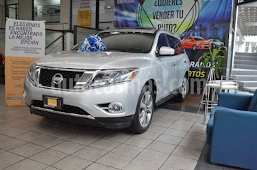 Foto venta Auto usado Nissan Pathfinder Exclusive 4x4 (2014) color Plata precio $277,000