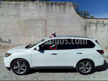 Nissan Pathfinder Exclusive 4x4 usado (2014) color Blanco precio $270,000