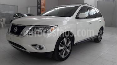 Foto venta Auto usado Nissan Pathfinder Exclusive (2015) color Blanco precio $299,000