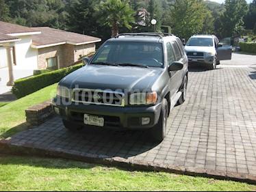 Foto venta Auto usado Nissan Pathfinder LE 3.5L 4x2 Aut Piel (2000) color Verde Oliva precio $62,000