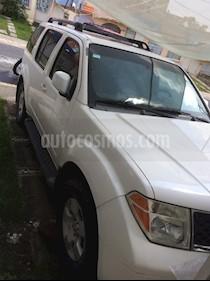 Nissan Pathfinder SE 4x2 Premium usado (2006) color Blanco precio $135,000