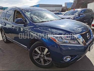 Nissan Pathfinder 5p Exclusive aut V6 usado (2013) color Azul precio $230,000